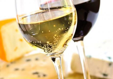 Viinin maistelu